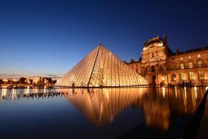 موزه لوور یکی از جاهای دیدنی پاریس