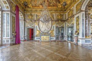 تالار آیینه در کاخ ورسای