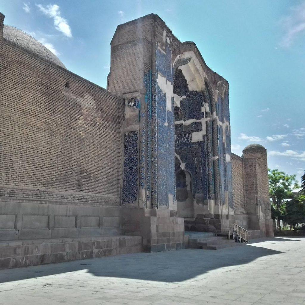ورودی اصلی مسجد کبود