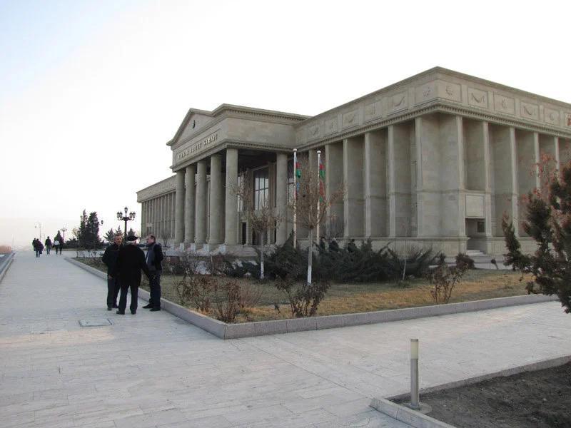 بازدید از مقبره حسین جاوید در نخجوان
