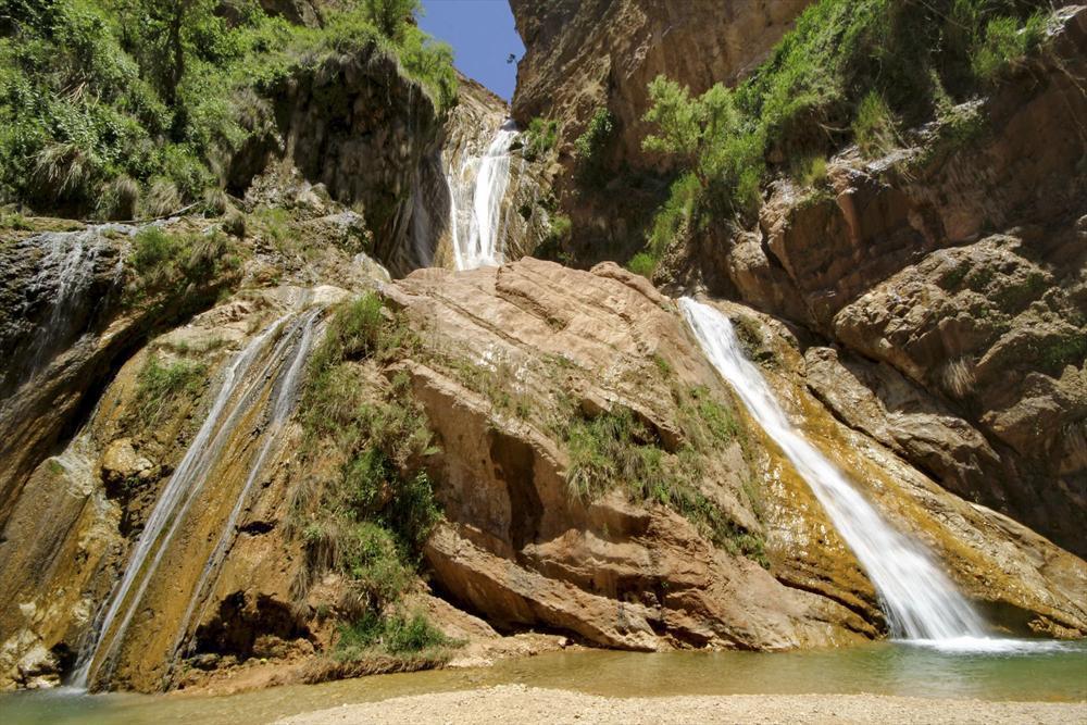 آبشار مرتفع لرستان نوژیان