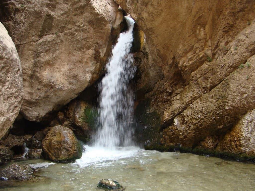 رسیدن به آبشار دره ساشا